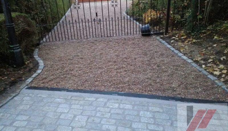 Gravel driveway in Bristol