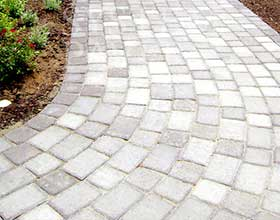 Stretcher Bond Paving
