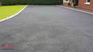 Completed Tarmac Finish on Driveway